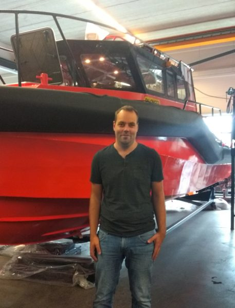 Project Engineer Tijmen van Nieuwenhuijzen allows us an exclusive look into the diverse process of PALFINGER's boat production.