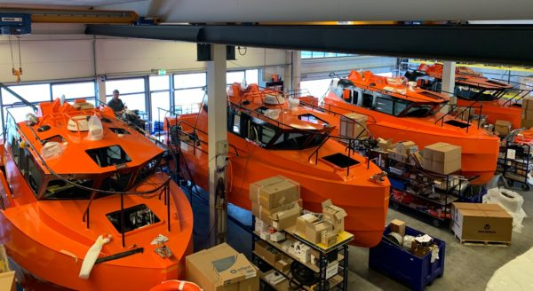 At the moment, PALFINGERs boat engineers are mainly working on fast rescue boats for defense and fire-fighting purposes.
