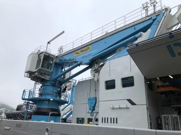 PALFINGER delivered a 30T knuckle boom offshore crane, DKF800, to OceanXplorer.